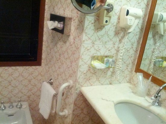 Strozzi Palace Hotel: il bagno