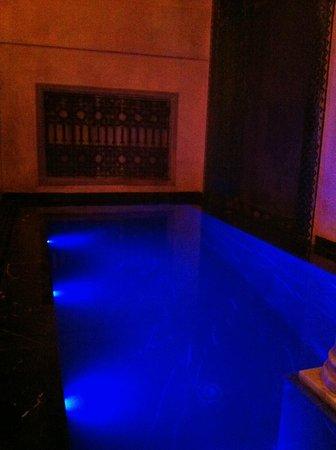 Riad Moullaoud :                   Petit coin salon avec piscine