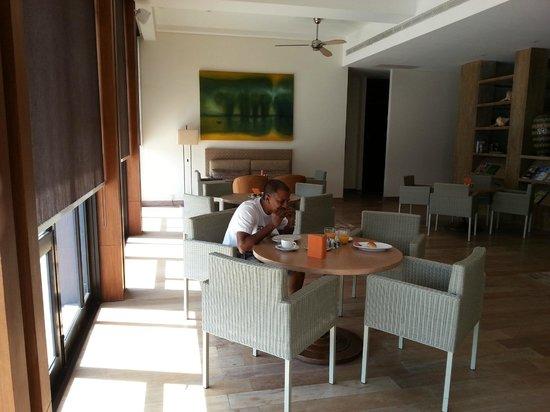 Hyatt Regency Danang Resort & Spa:                                     Bfast at Regency Club