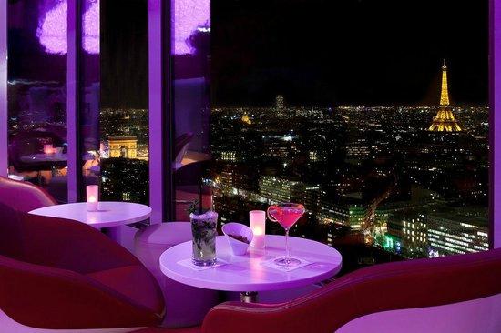 Hyatt Regency Paris Étoile: View from the Bar La Vue