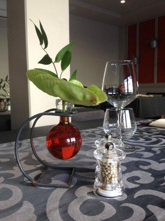 Hotel Azalees: Restaurant