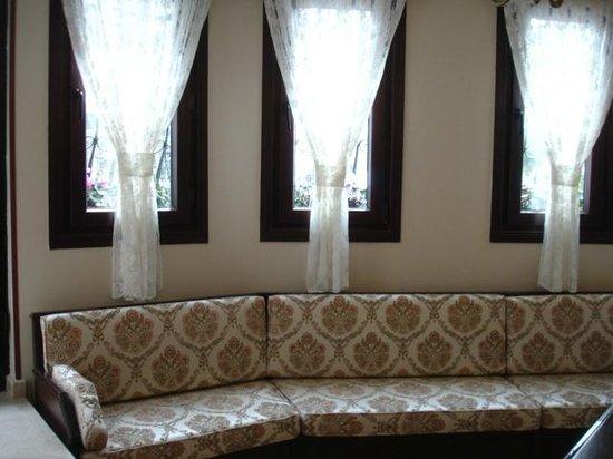 Osmanhan Hotel:                   Lobby