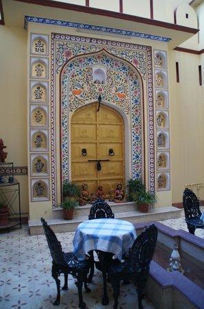 Umaid Bhawan Heritage House Hotel:                   Inside hotel