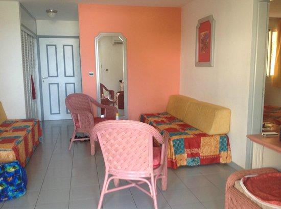 Diamant Beach: salon de notre chambre