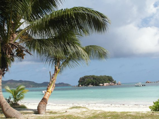 Chez Batista Villas:                   Plage aux Seychelles