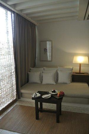 Putahracsa Hua Hin: Separate living area