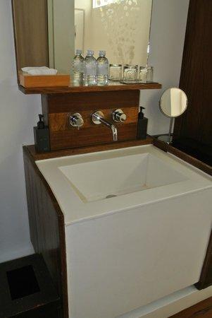 Putahracsa Hua Hin: Bathroom sink