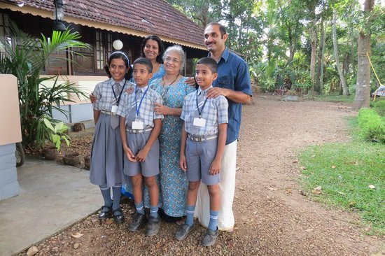 The Pamba Heritage Villa:                   Unsere sehr nette indische Familie