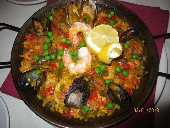 Bistro Mediterranean & Tapas Bar:                   Paella Valencia