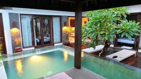 The Trawangan Resort:                   2 bedroom villa
