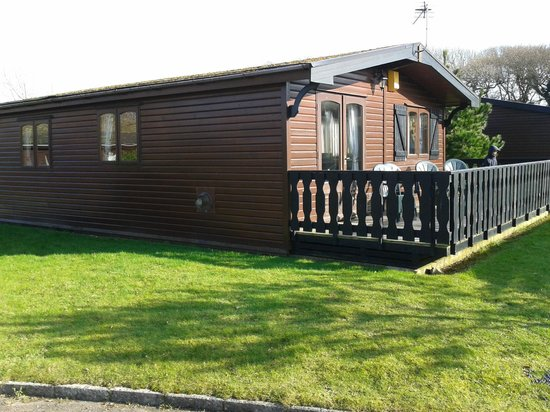 Shorefield Country Park:                   milford lodge 2