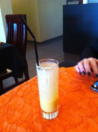 Orchidee:                                                       le meilleur mango Lhassi du monde ;-)