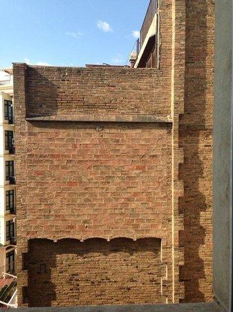 Hotel Astoria :                                     calme, mais quelle vue ...! (7eme etage)