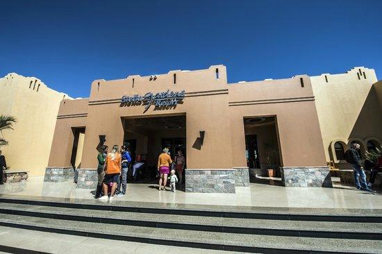 Stella Di Mare Beach Resort & Spa Makadi Bay:                   Facade