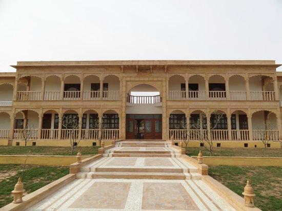 Club mahindra jaisalmer rajasthan hotel reviews - Jaisalmer hotels with swimming pool ...