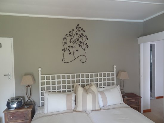 Cathkin Cottage Bed and Breakfast: Couple's room.