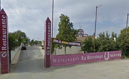 Restaurante La Herradura:                   La Herradura ,Montesinos