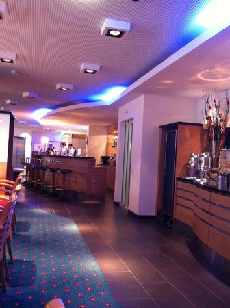 Holiday Inn Express Geneva Airport: Breakfast/ Reception
