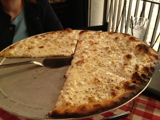 Grimaldi's Pizzeria - Green Valley : white pizza