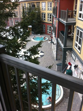 The Grand Georgian - Blue Mountain Resort : View From Balcony - Outdoor Hot Tubs