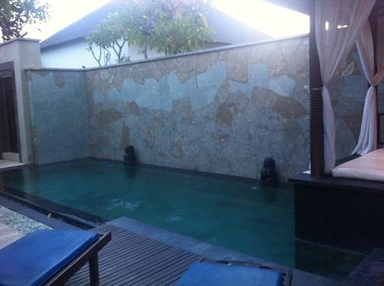 The Khayangan Villas:                   swimming pool