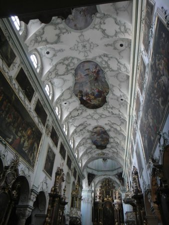 St. Peter's Abbey (Stift St. Peter): Marble-like ceiling