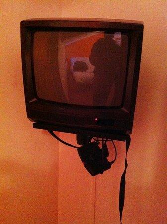 Hotel Teola:                   televisore e decoder