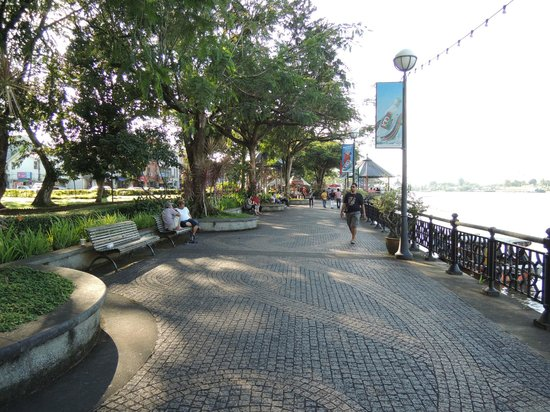 Hilton Kuching:                                     River walk