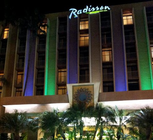 Radisson Hotel Newport Beach:                   the radisson Newport beach ca