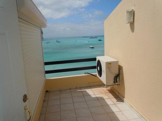 Horizon View Beach Hotel :                                     balcony