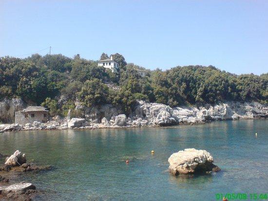 Hotel Damouchari:                   Village beach
