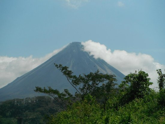 Baldi Hot Springs Hotel Resort & Spa: Arenal volcano