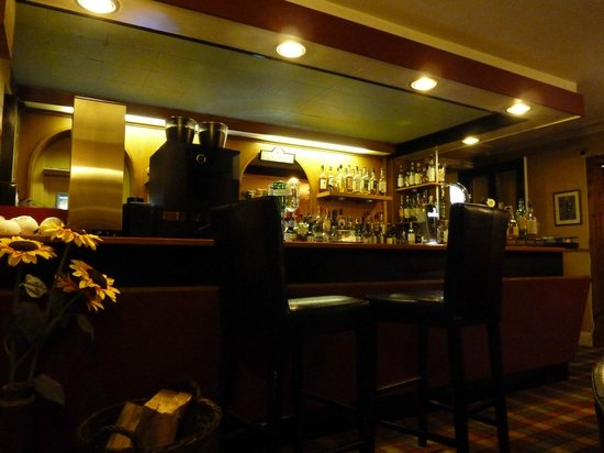 Rowan Tree Country Hotel:                   The bar