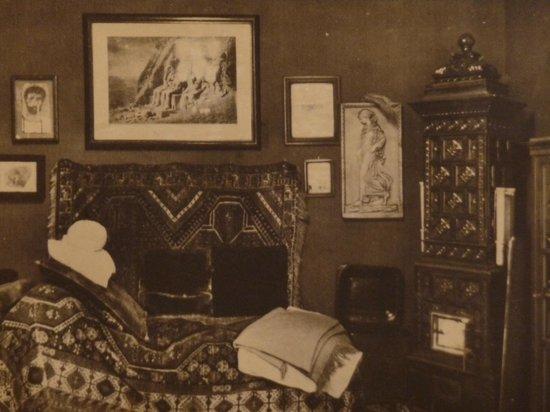 Photo du c l bre divan sigmund freud museum vienne for Divan de sigmund freud