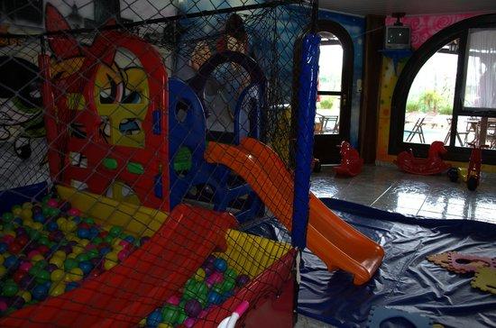 Treze Tílias, SC:                   Sala de recreación para los más chicos