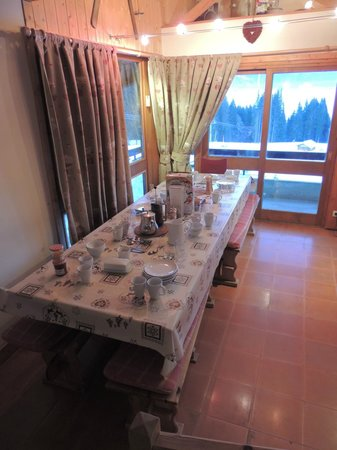 Chalet Morillon: Dining area