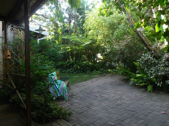 Coral Guest Cottages : Garden View