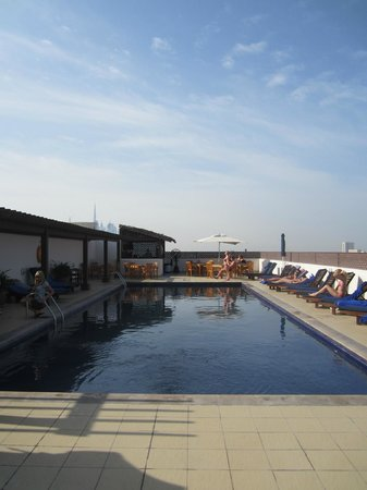 Citymax Hotels Bur Dubai:                   Бассейн на крыше