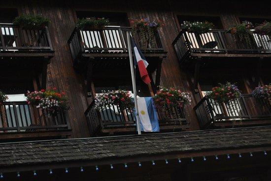 Park Hotel Suisse & Spa:                   Frente hotel