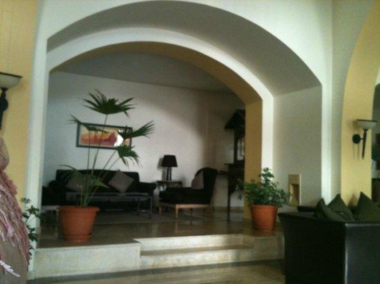 Medina Solaria & Thalasso:                   COmfy Alcove near bar