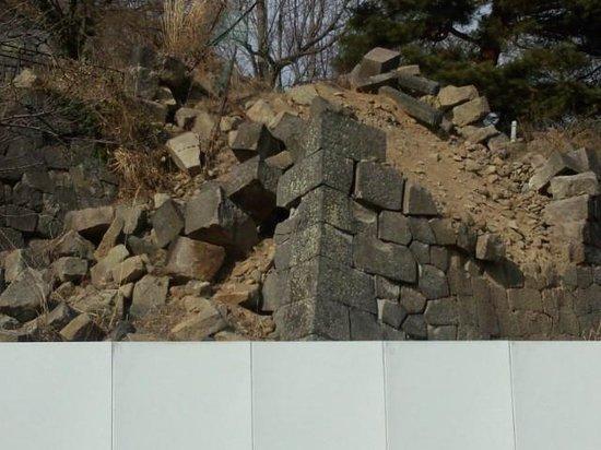 Komine Castle Remains :                   NO2