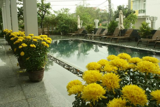 Sunshine Hotel Hoi An:                   Good swimming pool