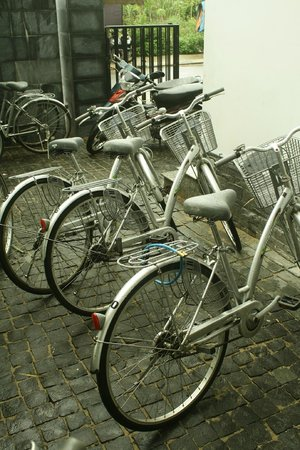 Sunshine Hotel Hoi An:                   Free bicycle to ride around