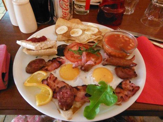 La Case K2 :                   Big breakfast!!