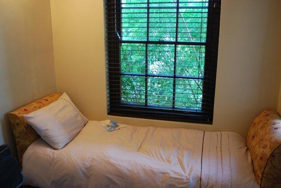 Schoone Oordt Country House:                   Zimmer 3. Bett für Kind