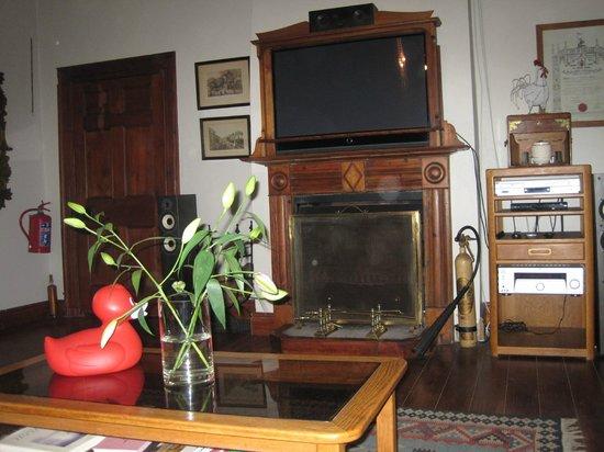 Schoone Oordt Country House:                   Bar mit Fernsehmöglichkeit/ Musikanlage