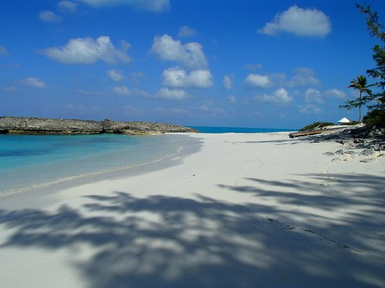 Exuma Vacation Cottages:                   Beach on Little Exuma