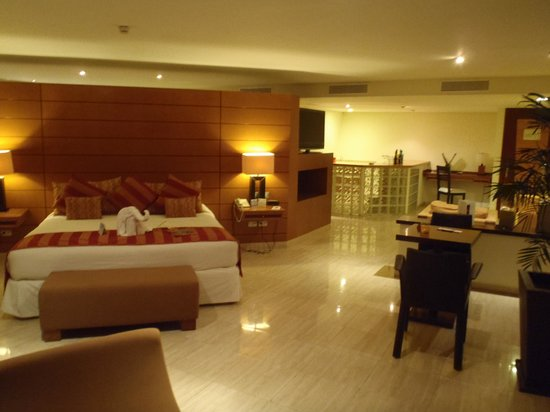 Grand Sirenis Riviera Maya Resort & Spa:                   the presidential suite                 