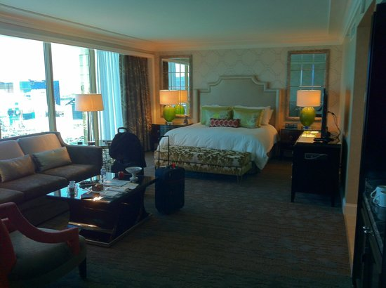 Four Seasons Hotel Las Vegas:                   Room