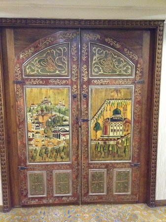 Anemon Izmir Hotel :                                     Dining room doors